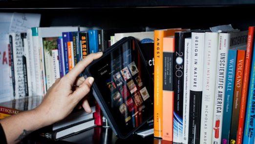 ebook-vs-book-1200×800-1-522×295